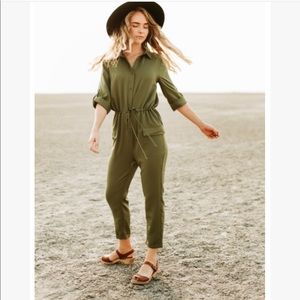 Olive jump suit size large NEW LARGE